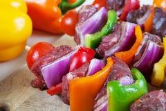 Kabobs prêts de boeuf de BBQ image libre de droits