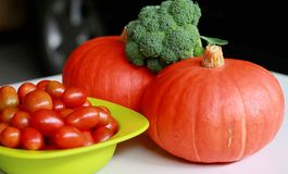 Kabocha et tomates-cerises Image libre de droits