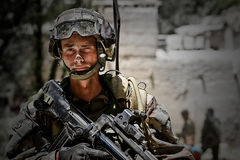 Kaboel, Afghanistan - circa, 2011 De legionair is op plicht tijdens een gevechtsopdracht in Afghanistan Royalty-vrije Stock Afbeeldingen