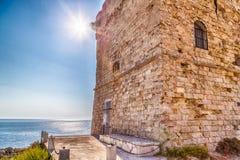Kabotażowy wierza w Salento na Ionian morzu Zdjęcia Stock