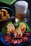 Kachan ha arrostito il cereale avvolto in bacon alla birra fotografia stock libera da diritti