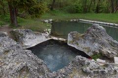 Kada, de natuurlijke thermische lente in Liptovskà ½ Jà ¡ n Stock Foto
