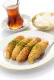 Kadayifdolmasi en Turkse thee Stock Foto's