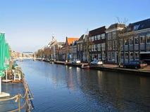Kade in de stad van Leiden Royalty-vrije Stock Afbeeldingen