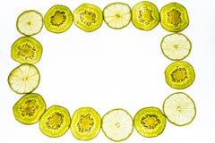 Kader van van vers kiwifruit dat wordt gemaakt Stock Afbeeldingen