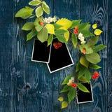 Kader voor drie die foto's door de herfstbladeren worden verfraaid Stock Afbeelding