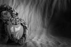 Kaders op een lijst met zwart-witte achtergronden Royalty-vrije Stock Foto's