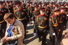 Kadettdeltagare av den ryska armén ståtar Victory Day - Maj 9 Fotografering för Bildbyråer