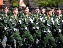 Kadetten der Militärraum-Akademie genannt nach A f Mozhaisky während der Parade, engagiert zu Victory Day auf Rotem Platz stockbilder
