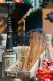 Kadzidło kije przy Sik Sik Yuen Wong Tai grzechu świątynią Zdjęcie Royalty Free