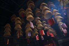 Kadzidłowe zwitki pali w ma świątyni w Macao porcelanie Zdjęcie Royalty Free