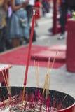 kadzidłowy kij w kadzidłowym palniku z popiółami Zdjęcia Royalty Free
