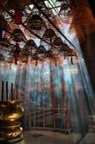 Kadzidłowy palenie w świątyni w Hong Kong obraz royalty free