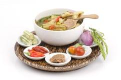 Kaeng Marum (北泰国名字),辣木科咖喱用猪肉(含油椒木属潜逃。) 库存图片