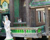 Kaeo del PA Maha Jedi de Wat y x28; Bottles& x29 de WAT millón; en sisaket, TAILANDIA 2017 fotografía de archivo