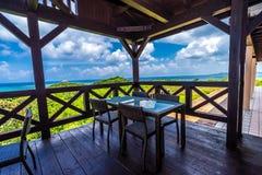 Kafé överst av kullen på den Ishigaki ön av Okinawa Royaltyfria Foton