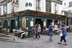 Kafé i Montmartre, Paris arkivbilder