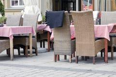 Kafé i stadmarknad Arkivfoto