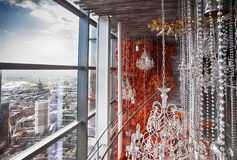 Kafé med den dekorativa trappan Royaltyfria Bilder