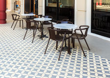 Kafé med tabeller och stolar Royaltyfria Bilder