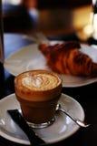 Kafé och giffel Arkivfoto
