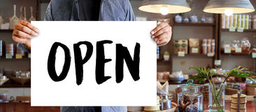 kafé Owne för affär för små och medelstora företagbegreppsfolk funktionsdugligt Startup fotografering för bildbyråer