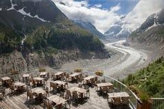 Kafét över glaciären i franska fjällängar Royaltyfri Bild