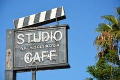 Kafét längs Hollywood går av berömmelse arkivbild