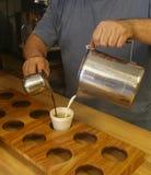 Kafét lurar Leche eller kubanskt kaffe i Key West Arkivbilder