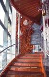 Kafé med den dekorativa trappan Arkivfoto