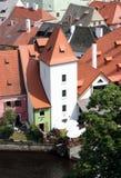 Kafelkowi dachy średniowieczni domy w Cesky Krumlov Fotografia Royalty Free