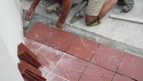 Kafelkowy przywrócenie chodniczek kłaść płytki w budynku zdjęcie wideo