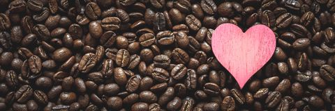 Kaffe Bean Heart royaltyfri bild