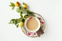 Kaffe, choklad och frukter Arkivbild