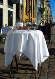 kaffe dekorerad tabell fotografering för bildbyråer