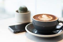 Kaffe energi som arbetar i morgonen Ha ett avbrotts-, mat- och dryckbegrepp royaltyfria foton