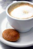kaffe för 2 kex arkivfoton