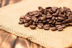kaffe för bönakantburlap över Royaltyfri Fotografi