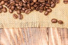 kaffe för bönakantburlap över Royaltyfria Bilder