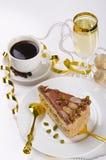 kaffe för cakechampagnehalva Arkivfoton