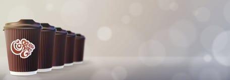 kaffe går till Kaffekrusningen kuper Bokeh Gray Background Royaltyfria Bilder