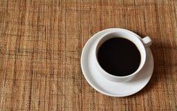 Kaffe i den vita koppen Royaltyfria Foton