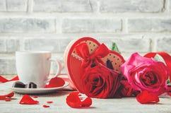 Kaffe i säng för älskad Fotografering för Bildbyråer