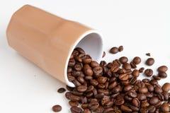 kaffe innehåller det realistiska fotoet för ingreppet för bilden för korn för designelementlutningen Arkivfoto