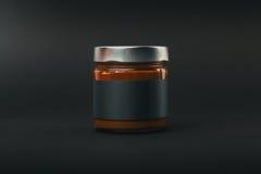 kaffe konserverar den glass jaren spillda tabellen Arkivfoto