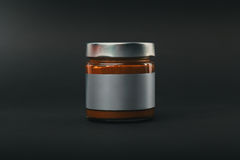 kaffe konserverar den glass jaren spillda tabellen Royaltyfria Bilder