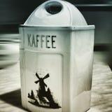 Kaffe Konstnärlig blick i duotonestil Arkivfoto