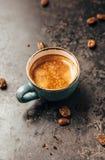 Kaffe kuper och bönor Royaltyfri Foto