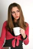 kaffe l5At mig över grubbla Fotografering för Bildbyråer