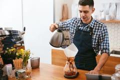 Kaffe Mandanandedrink i kafé arkivfoton